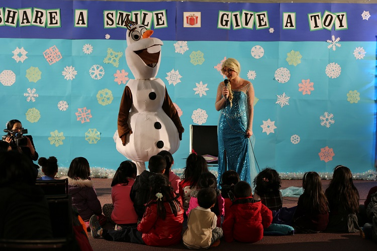 """""""Share a Smile, Give a Toy"""" Holiday Toy Giveaway"""